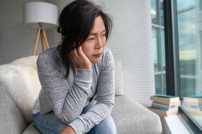 Penyebab Menopause Dini dan Cara Mengatasinya - Alodokter