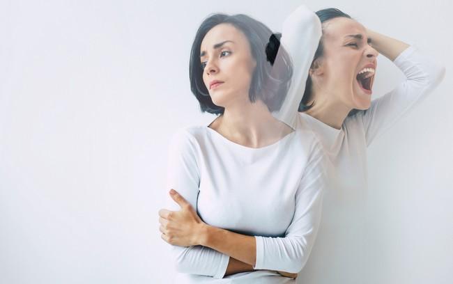 โรคหลายบุคลิก (Dissociative Identity Disorder)