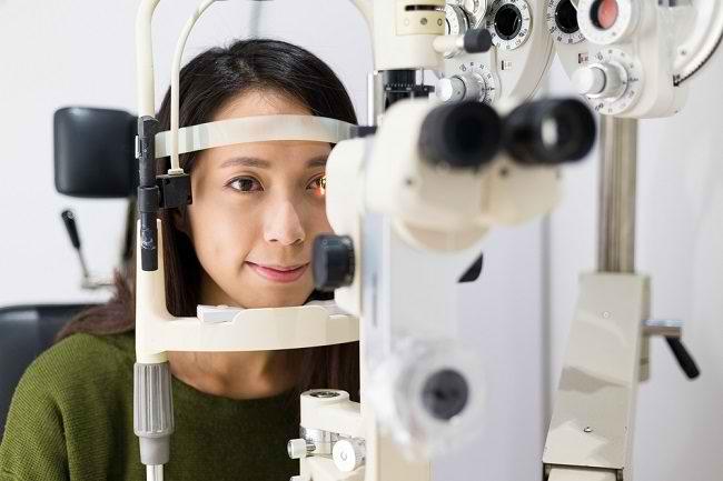 Jenis-Jenis Pemeriksaan Mata yang Perlu Anda Ketahui - Alodokter