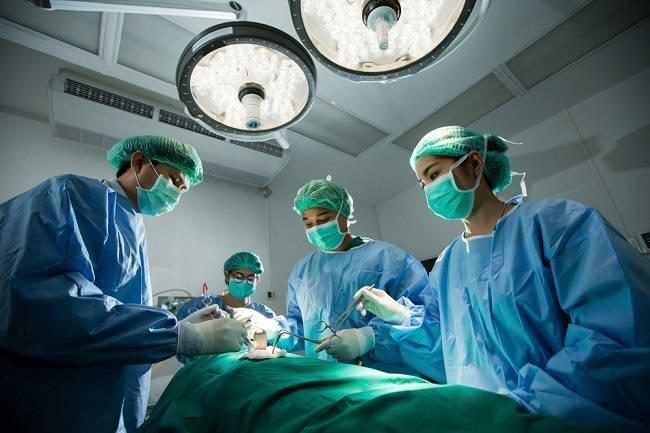 Mengenal Lebih Jauh Peran Dokter Bedah Umum - Alodokter