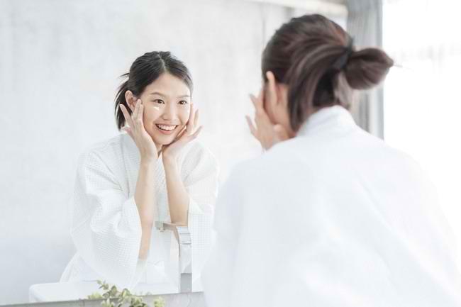 Ini 5 Manfaat Retinol untuk Kulit Wajah - Alodokter