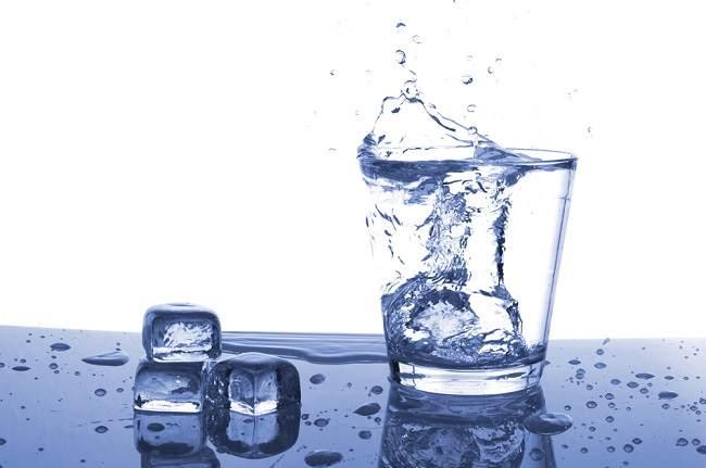 Menilik Manfaat Air Es bagi Kesehatan - Alodokter