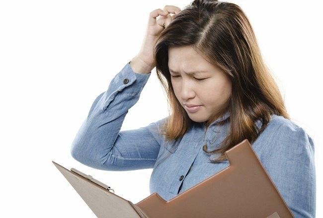 Penyebab dan Cara Mengatasi Kulit Kepala Gatal - Alodokter