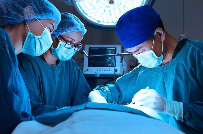 Mengulas Peran Dokter Bedah Saraf dan Tindakan yang Dilakukan - Alodokter