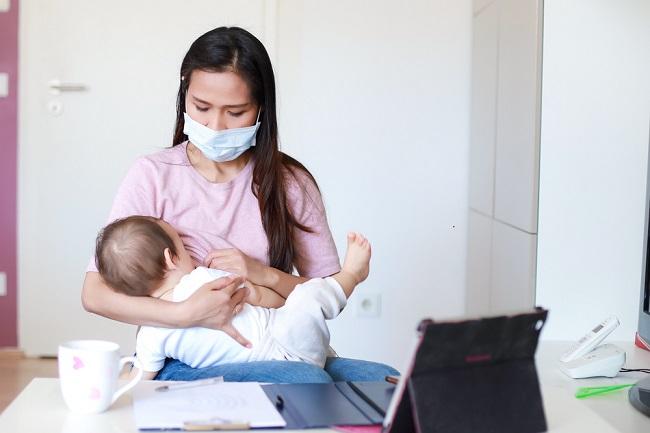 Bunda, Yuk, Ketahui Tips Aman Menyusui Saat Flu - Alodokter