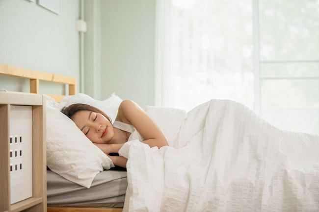Ketahui 3 Posisi Tidur yang Baik untuk Kesehatan - Alodokter