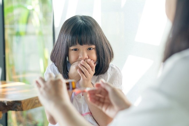 Jangan Dipaksa, Ini 7 Cara Membujuk Anak untuk Minum Obat - Alodokter