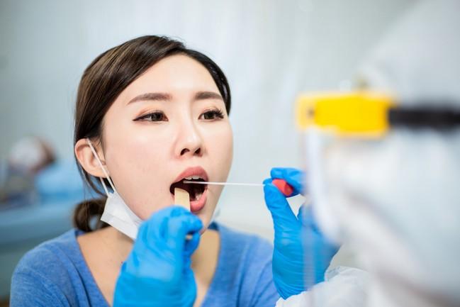 Swab Test การตรวจหาโรคติดเชื้อ ขั้นตอน และความเสี่ยง