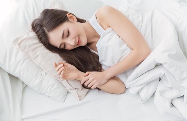 Rekomendasi Posisi Tidur Setelah Melahirkan agar Lebih Nyaman - Alodokter