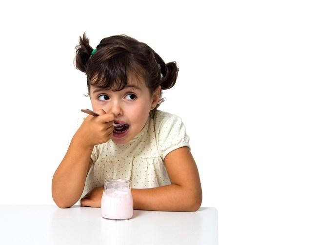 5 Manfaat Yoghurt untuk Anak yang Perlu Bunda Ketahui - Alodokter