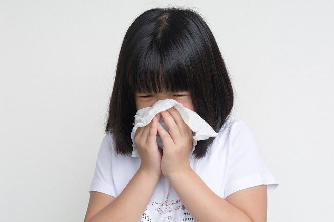 Anak Sering Bersin di Pagi Hari? Ini Penyebab dan Cara Mencegahnya - Alodokter