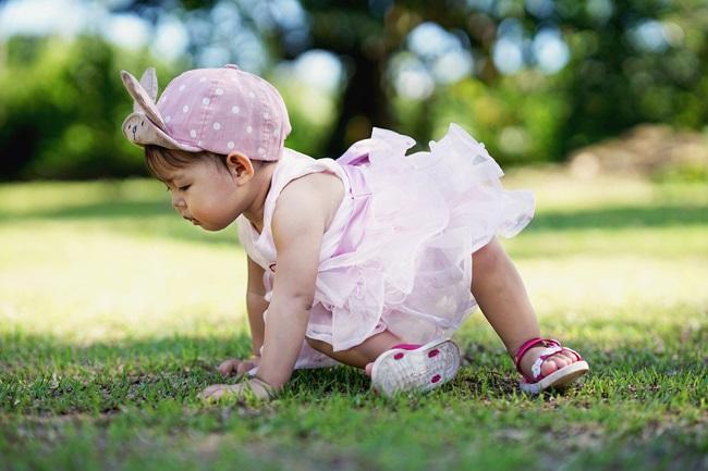 Bayi 8 Bulan: Mulai Dapat Berdiri - Alodokter