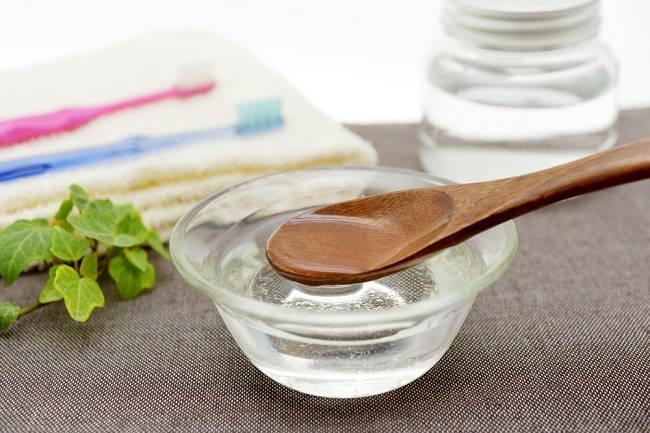 5 Manfaat Oil Pulling untuk Kesehatan Gigi dan Mulut - Alodokter