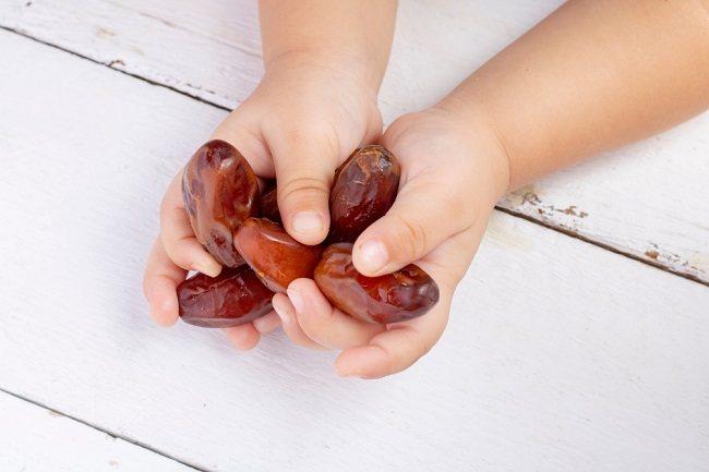 Kaya Nutrisi, Ini Manfaat Kurma untuk Anak - Alodokter