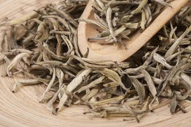 Vorteile von weißem Tee und wie man ihn serviert - Alodokter