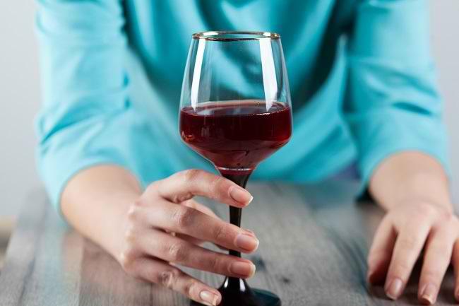 Dampak Konsumsi Minuman Beralkohol Saat Menyusui - Alodokter