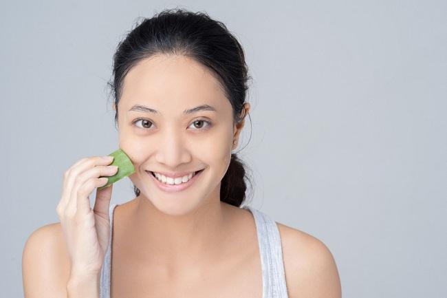 4 Cara Memutihkan Wajah dengan Lidah Buaya - Alodokter
