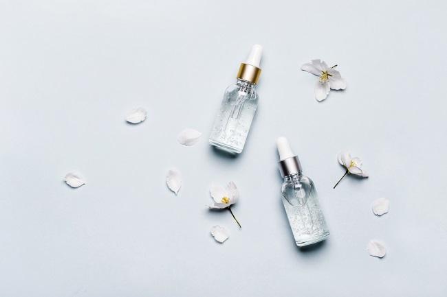 Daftar Kandungan Skincare yang Baik untuk Dikombinasikan - Alodokter