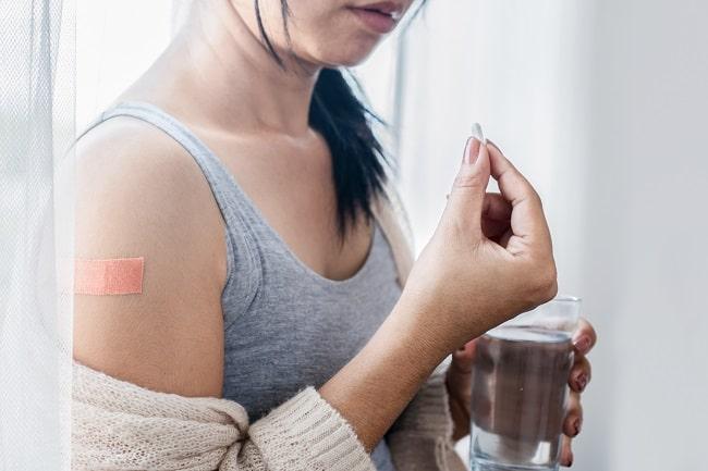 Pilihan Terapi Simptomatis untuk KIPI Vaksinasi COVID19-min