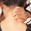Cara Sederhana Mengatasi Sakit Leher Belakang