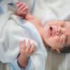 Menimbang Manfaat dan Risiko Sunat Bayi Laki-laki