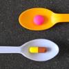 Kortikosteroid vs Obat Antiinflamasi Non-Steroid pada Reaksi Artritis Gout Akut