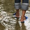 น้ำกัดเท้า อาการที่ควรระวังช่วงน้ำท่วมและวิธีรักษาอย่างเหมาะสม
