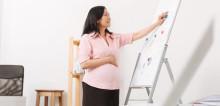 Tips Menghindari Bahaya Terlalu Lama Berdiri Saat Hamil