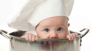 เลือกอาหารเด็กอย่างไร ให้เหมาะสมกับพัฒนาการทารก