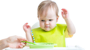 ลูกไม่ยอมกินข้าว ปัญหาเด็กเล็กที่แก้ไขได้