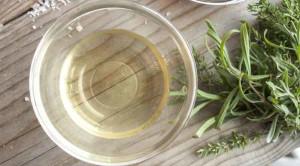 น้ำส้มสายชู เครื่องปรุงคู่ครัวกับประโยชน์ต่อสุขภาพ