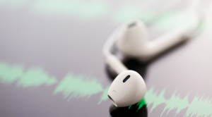 หูฟัง ใช้อย่างไรให้ปลอดภัยและไม่เสี่ยงหูหนวก ?