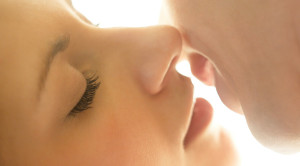 จูบ ประโยชน์และความเสี่ยงต่อสุขภาพ