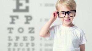 แว่นตาเด็ก เลือกอย่างไรให้เหมาะกับลูกน้อย ?
