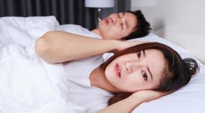 วิธีแก้นอนกรนที่ได้ผลและช่วยให้หลับสนิทตลอดคืน
