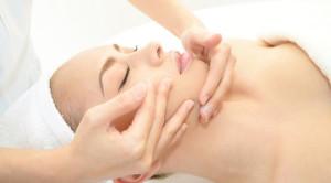 Risiko Efek Samping Facial Wajah yang Perlu Diketahui
