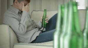 Intoksikasi Alkohol Meningkatkan Risiko Bunuh Diri