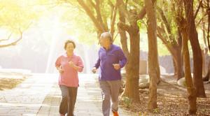 ผู้สูงอายุควรออกกำลังกายอย่างไร ?