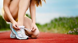 รองเท้าออกกำลังกาย คู่หูสุขภาพ และวิธีการเลือกซื้อ
