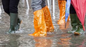 น้ำท่วม ภัยธรรมชาติที่มาพร้อมปัญหาสุขภาพและอุบัติเหตุ