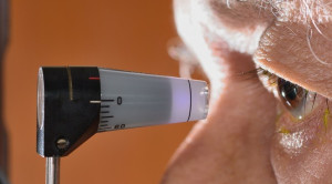 Risiko Glaukoma Kronis Sudut Terbuka pada Myopia