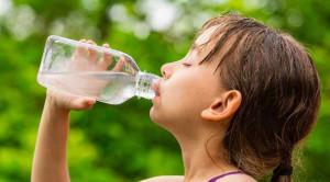 ภาวะขาดน้ำในเด็กกับสัญญาณเตือนที่พ่อแม่ควรระวัง