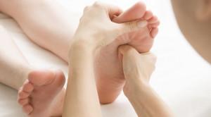 นวดฝ่าเท้า การกดจุดเพื่อผ่อนคลายกายและใจ