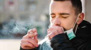 นักสูบควรระวัง บุหรี่อาจเพิ่มความเสี่ยงจากโควิด-19 ได้มากกว่าที่คิด