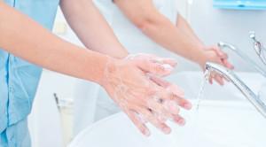 Pentingnya Membiasakan Cuci Tangan di Kalangan Medis