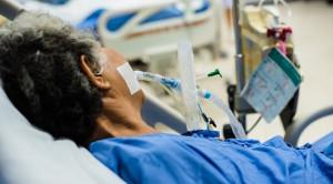 Efek Penghambat Pompa Proton vs Antagonis Reseptor Histamin-2 dalam Profilaksis Stress Ulcer – Telaah Jurnal