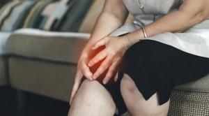 Efikasi dan Keamanan Glukosamin dan Kondroitin untuk Osteoarthitis - Telaah Jurnal