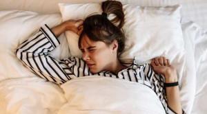 นอนกระตุก รู้จักสาเหตุและวิธีรับมือ