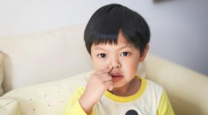 Metode Parent's Kiss untuk Mengeluarkan Benda Asing dari Hidung Anak