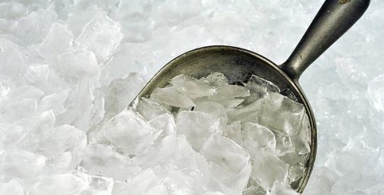 น้ำแข็ง ตัวช่วยดับกระหายและวิธีเลือกซื้ออย่างปลอดภัย